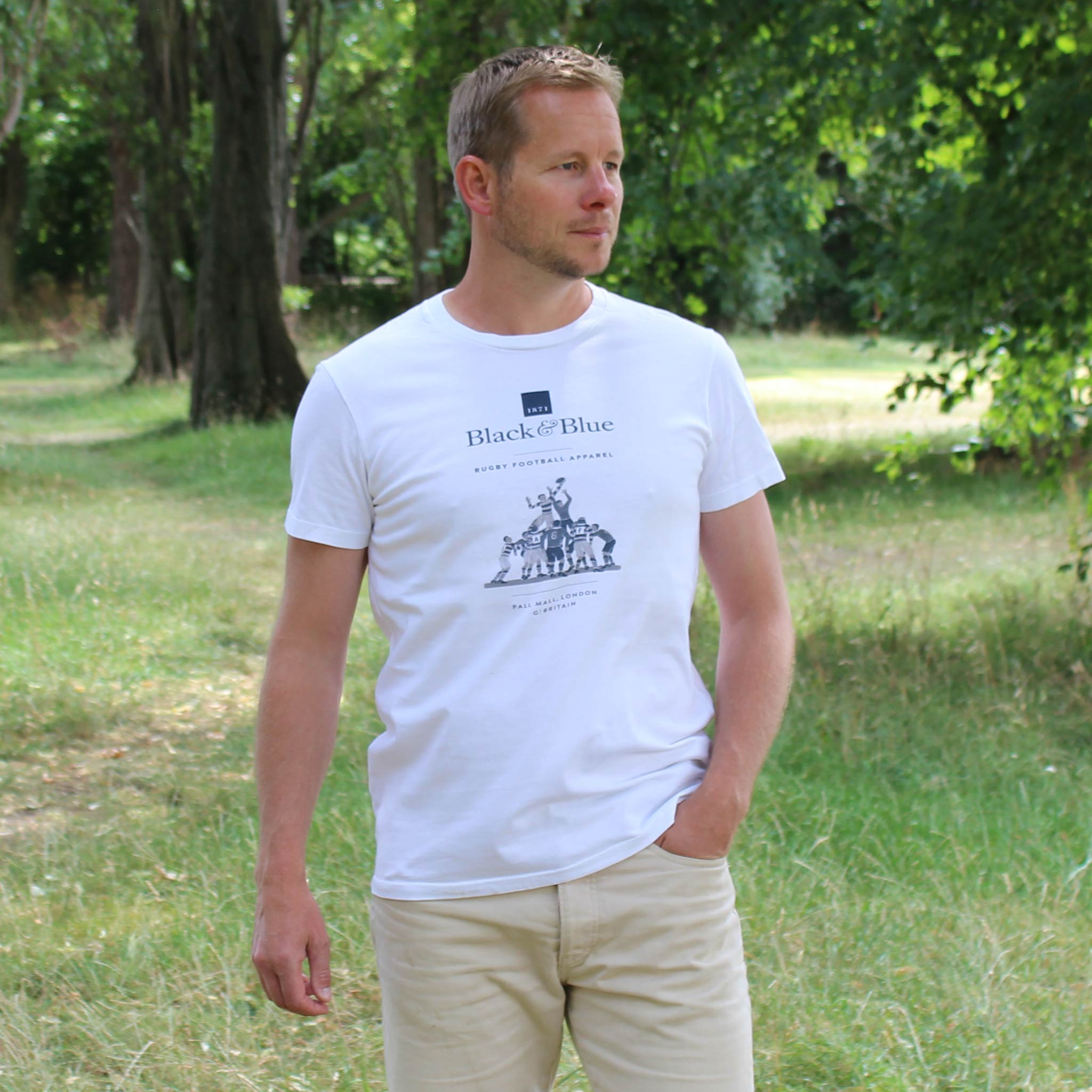BB1871 White logo T-shirt model