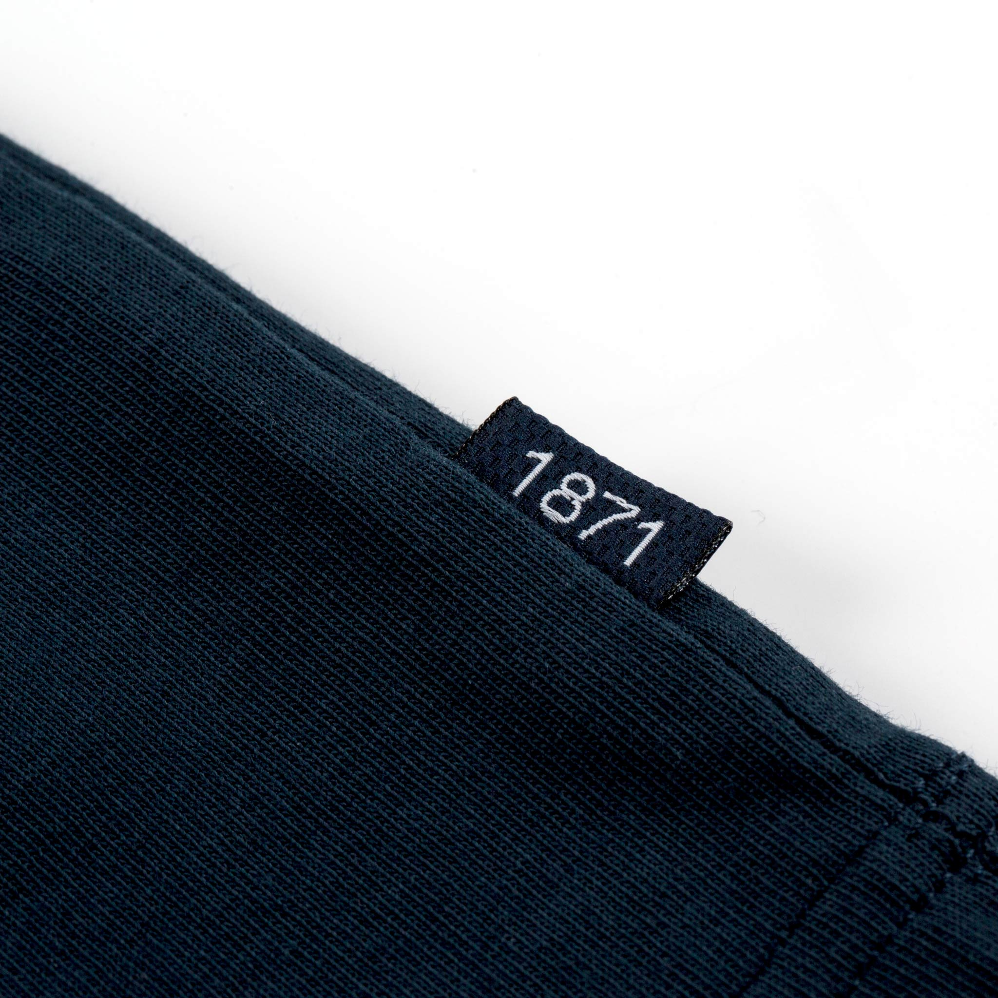 1871 Navy T-shirt tag