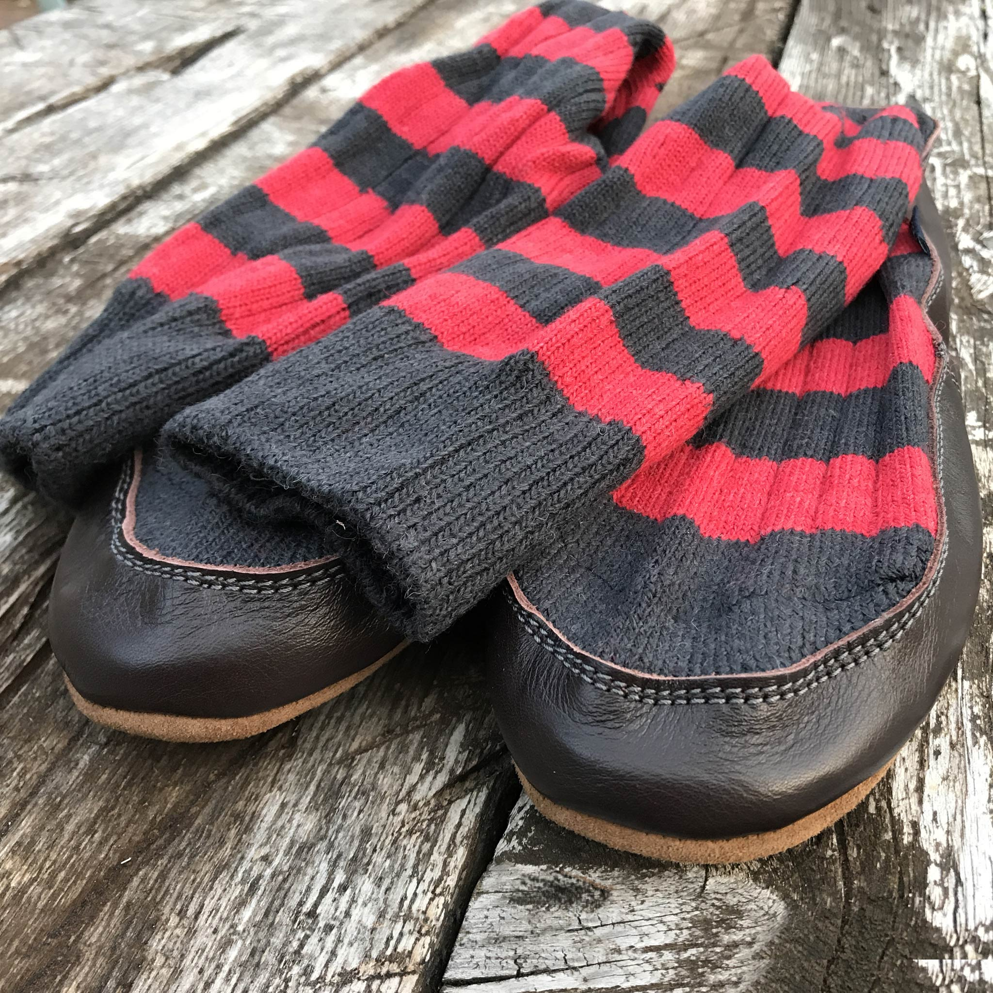 Slipper Sock black and red stripe - front view