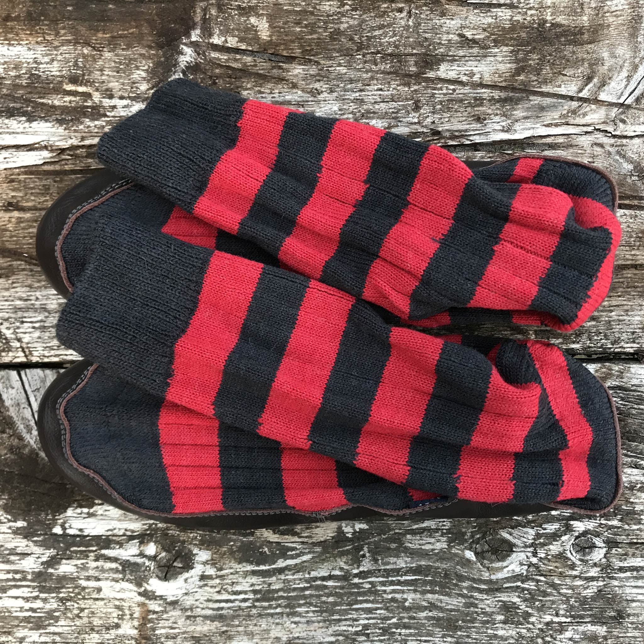Slipper Sock black and red stripe - overhead view